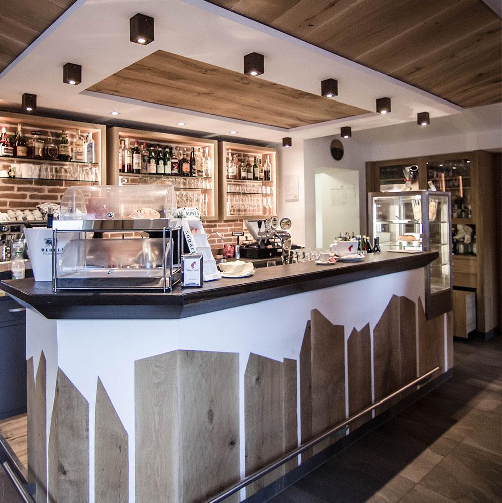 Raumgestaltung tischlerei eisath for Raumgestaltung cafe